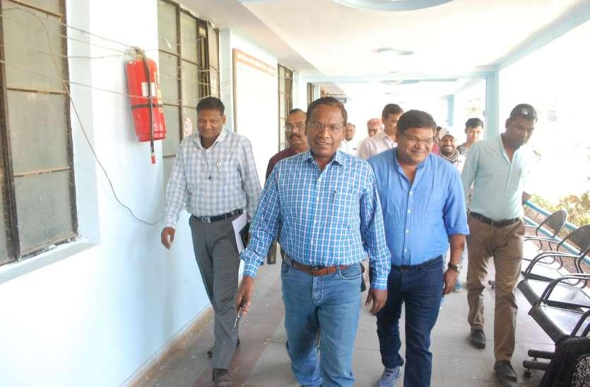 inspection- निगम प्रशासक का पहला दौरा, 13 शाखा प्रमुखों को नोटिस जारी