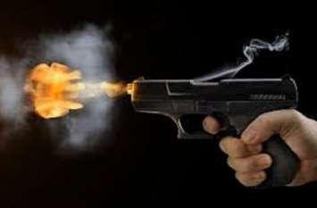 सर्विस रिवॉल्वर से चली गोली, और फिर...