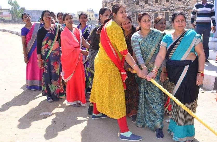 महिलाओं ने सीखे खेलों के गुर