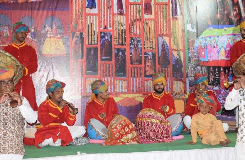 लोकानुरंजन मेले में मंच पर दिखी विविध राज्यों की संस्कृति