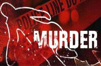 किराए के रूम में गर्लफ्रेंड को लाने पर हुआ जमकर विवाद, सिरफिरे युवक ने मकान मालकिन की बेरहमी से की हत्या
