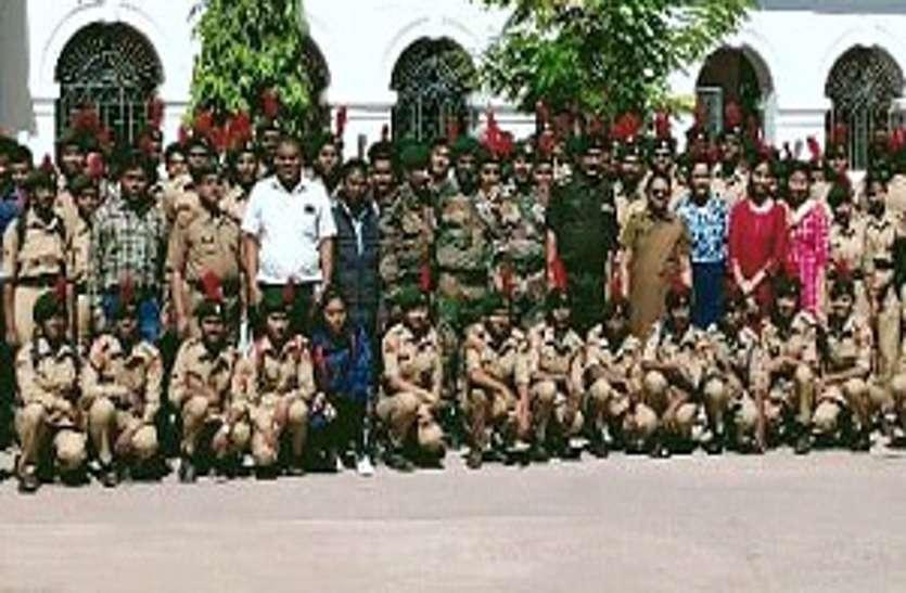 दिग्विजय कालेज में हुई एनसीसी की प्रायोगिक परीक्षा, 11 कॉलेज के 370 कैडेटों ने दिलाई परीक्षा ...