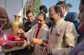 Moradabad: राज्यपाल आनंदी बेन पटेल पीतल उत्पादों की कारीगरी को देखकर हुईं प्रभावित