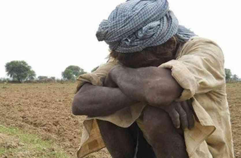 एक साल में सौ से अधिक किसानों की मौत