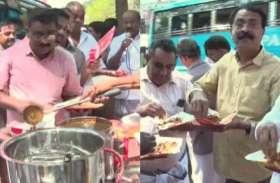 मक्कम पुलिस स्टेशन के सामने कांग्रेस ने दी बीफ की दावत, विजयन पर लगाया RSS के दबाव में काम करने का आरोप