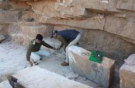 टाइगर रिजर्व के अंदर खदान भी मिली और निर्माणाधीन वॉच टॉवर से पत्थर भी बरामद हुए