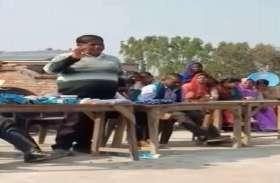 यूपी बोर्ड की परीक्षा में छात्रों को नकलकरने का टिप्स देते वीडियो हुआ था वायरल, स्कूल प्रबंधक गिरफ्तार