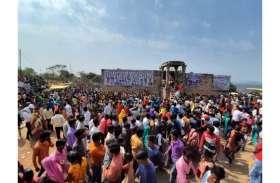 शिव की आराधना में झूमे भक्त, जगह-जगह निकाली शिव बारात, मंदिरों में हुए अभिषेक