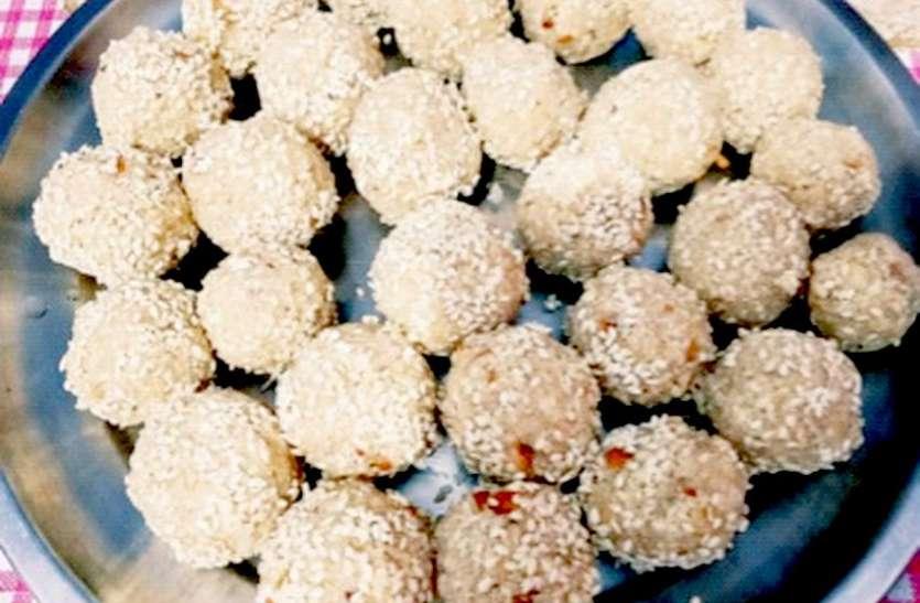 HEALTHY RECIPE : कैल्शियम की कमी दूर करेगा तिल-मूंगफली के लड्डू