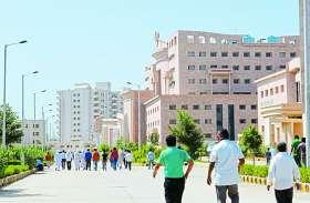 कोरोना वायरस : दिल्ली व हैदराबाद से मेडिकल कॉलेज की नब्ज टटोलने आएगी टीम