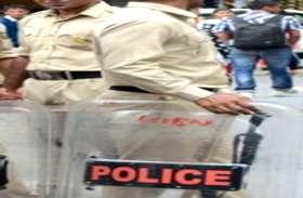 लड़की बनकर पुलिसवाला करता था 11 वीं में पढऩे वाले लड़के से चैटिंग, जब राज खुला तब...