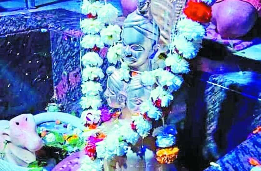 इस ऐतिहासिक मंदिर में दो लाख लोगों ने किए शिवजी के दर्शन
