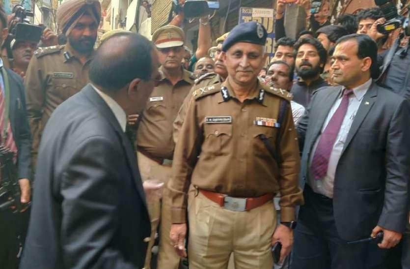 दिल्ली हिंसाः जब दिल्ली पुलिस के स्पेशल सीपी पर बरसे एनएसए अजीत डोभाल
