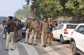 Delhi Violence: दिल्ली पुलिस ने गोकुलपुरी में बचाई 80 परिवारों की जान