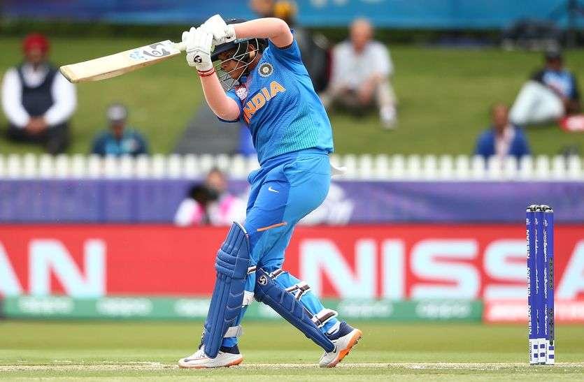 महिला टी-20 विश्व कप : लगातार तीसरी जीत के साथ भारत सेमीफाइनल में पहुंचा, न्यूजीलैंड को तीन रन से हराया
