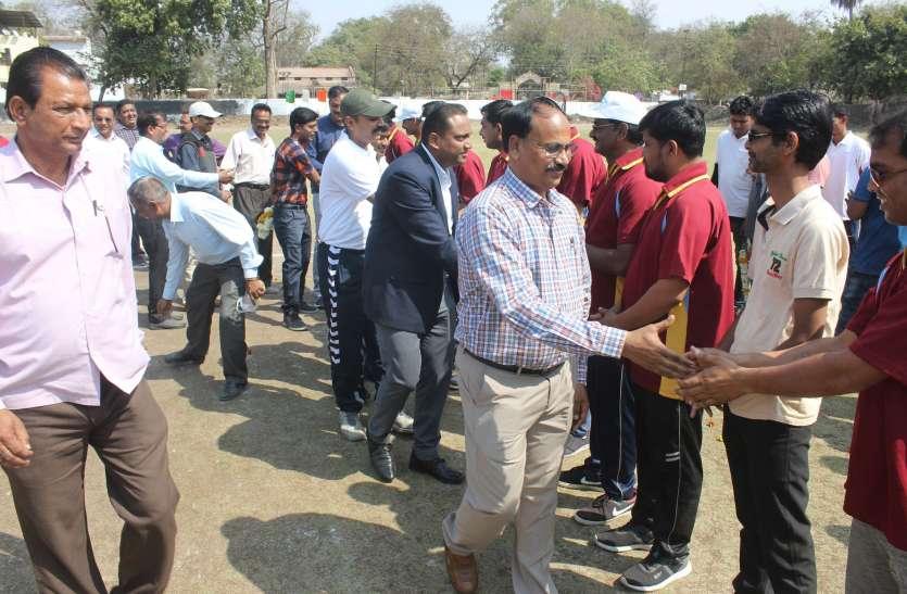 सिंगाजी थर्मल पॉवर ने 148, नगर निगम ने 48 रन, शिक्षा विभाग ने 4 विकेट से जीता मैच