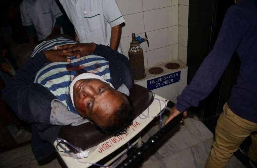 जबलपुर में निगम कर्मी के गले में बदमाशों ने चाकू मारा, गंभीर