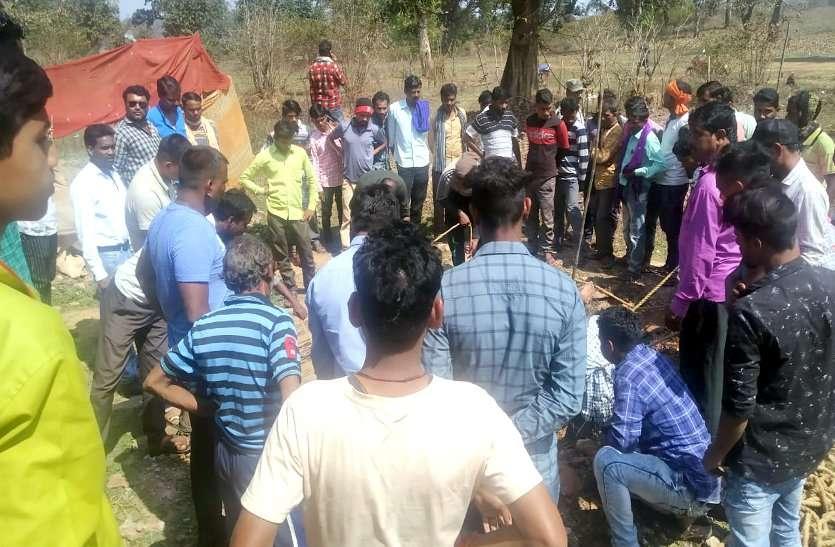 कुएं में तैरते मिली लाश, हत्या की आशंका, झोरीपारा के ग्रामीणों में दहशत ...