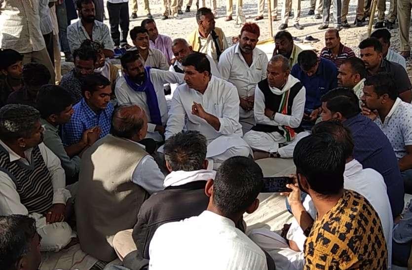 पुलिस हिरासत में युवक की मौत का मामला: 78 घण्टे बाद 25 लाख रुपए मुआवजा व सरकारी नौकरी पर बनी सहमति