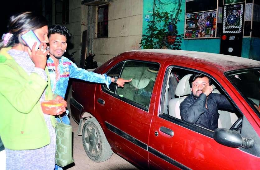 आधी रात हथियारबंद बदमाशों ने वाहनों में की तोडफ़ोड़, पांच गिरफ्तार