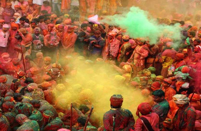 Festive March: होली से शुरू होगी त्यौंहारों की धूम