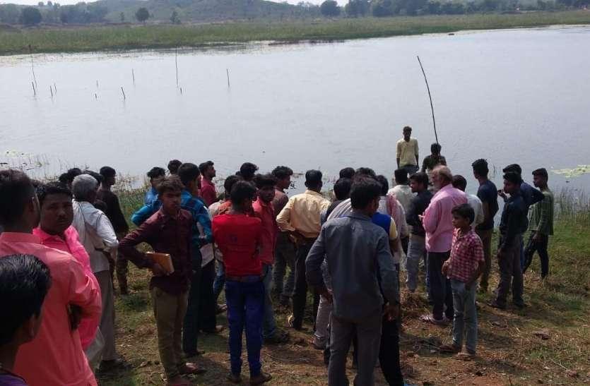 सिंघाड़ा के लालच में तालाब में घुसा किशोर, पलटी नाव, बुझा घर का चिराग...