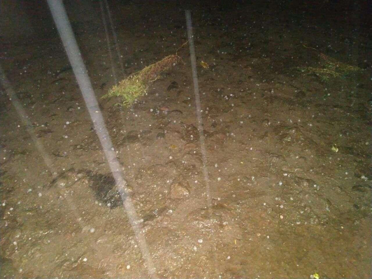 बारिश के साथ हुइ ओलावृष्टि