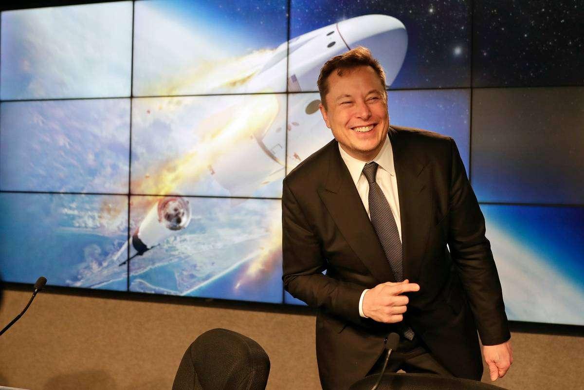 इस महीने दो अमरीकी अंतरिक्ष यात्रियों को स्पेस भेजेंगे एलोन मस्क