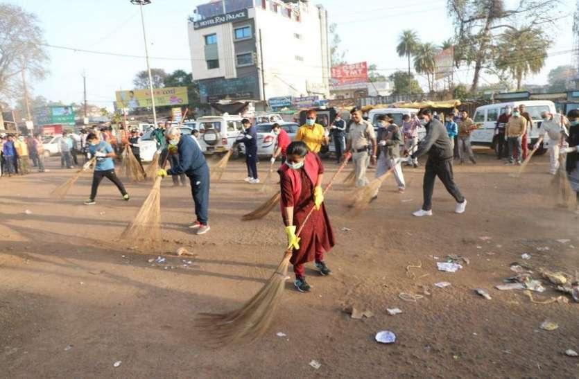 सफाई के प्रति जागरूक रहें, तभी शहर बनेगा स्वच्छ