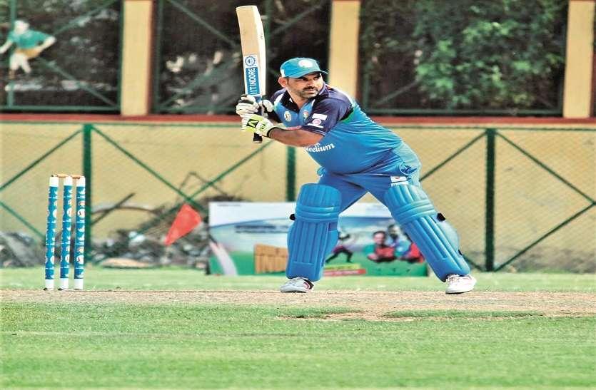 डेढ़ साल की उम्र में पोलियो से खराब हो गया था पैर, क्रिकेट के शौक ने पहुंचाया टीम इंडिया तक