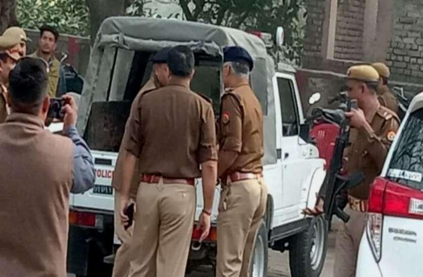 NH 2 पर गोतस्करों से यूपी पुलिस की मुठेभेड़, एक तस्कर ढेर, दो सिपाही घायल