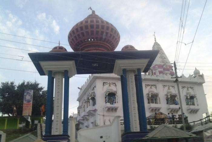 इस मंदिर में होता है माता पार्वती और शिव का मिलन, देखने के लिये लगती है भारी भीड़