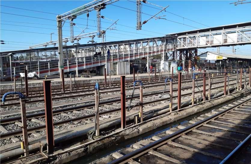 Corona virus Ninety thousand train tickets canceled in three days