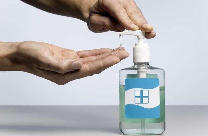 लोगों को कोरोना वायरस के संक्रमण से बचाने सतना के शिक्षक ने लैब में तैयार किया हैंड सेनेटाइजर