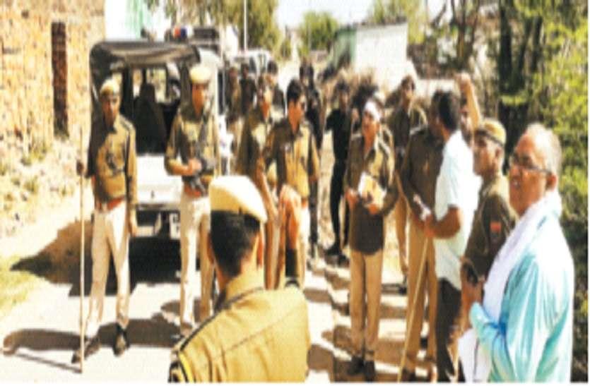 बदमाश को पकडऩे गए पुलिसकर्मियों के सिर फोड़े