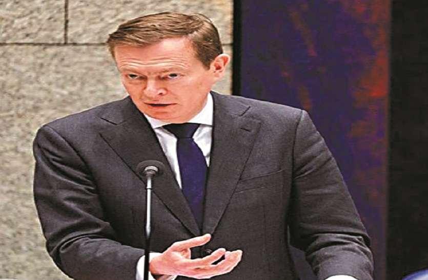 कोरोना पर बहस के दौरान संसद में मंत्री बेहोश