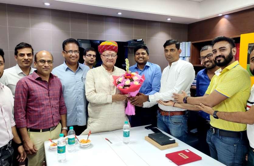 मंत्री कल्ला ने की प्रवासियों से राजस्थान में निवेश पर चर्चा
