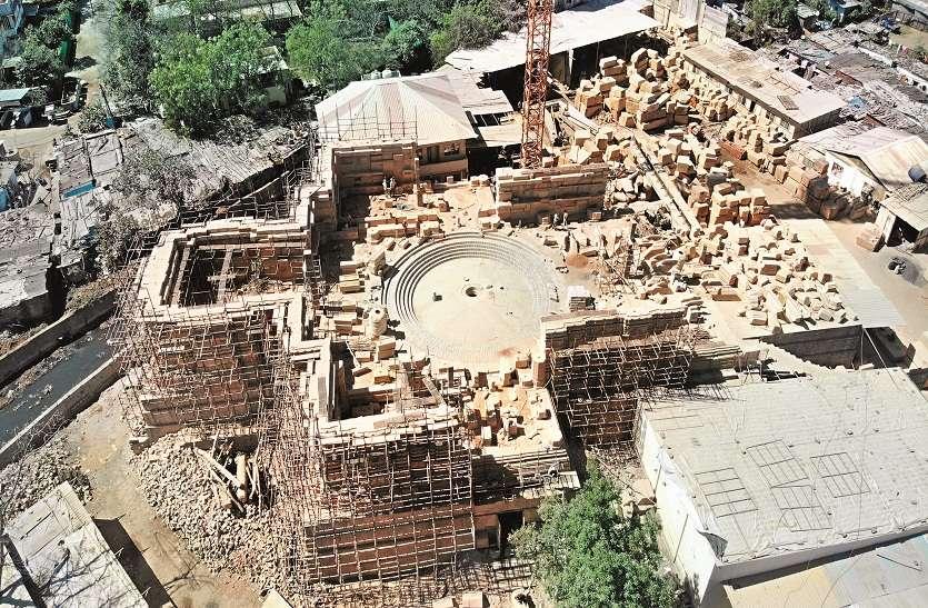 जैसलमेर और भुज के पीले पत्थरों से तैयार हो रहा चार मंजिला जिनालय, 23 हजार वर्गफीट में आकार लेगा, दो साल में होगा पूरा