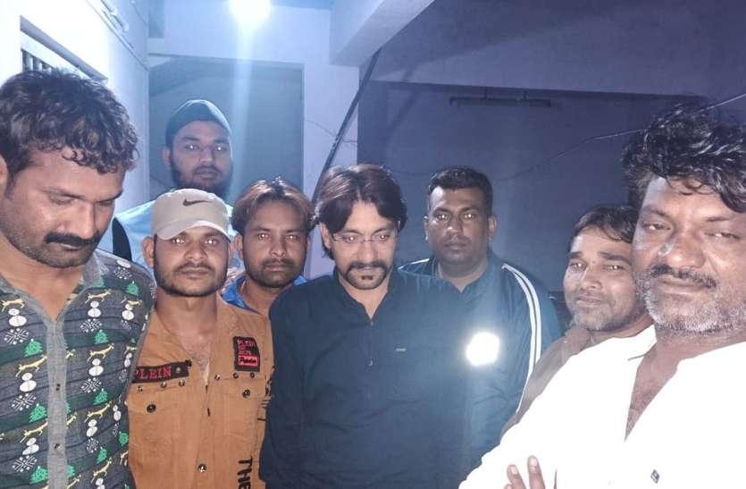 40अधिकारी-जवानों की विशेष टीम ने दी दबिश,21 जुआरी,92हजार रुपए सहित गिरफ्तार
