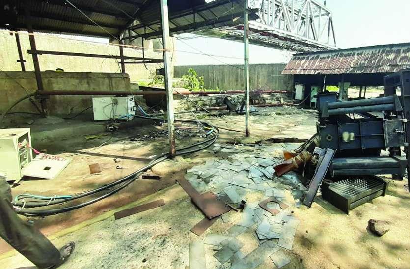 लाठी-डंडे से लैस चोरों का गिरोह पहुंचा पंप हाउस, स्टॉफ को कमरे में किया बंद, कहा- हल्ला नहीं करना, फिर इस घटना को दिया अंजाम