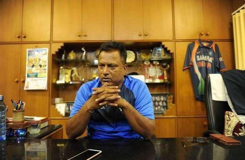 महिला क्रिकेट टीम की खिलाड़ियों ने लगाया कोच पर यौन शोषण का आरोप, बोर्ड ने किया सस्पेंड