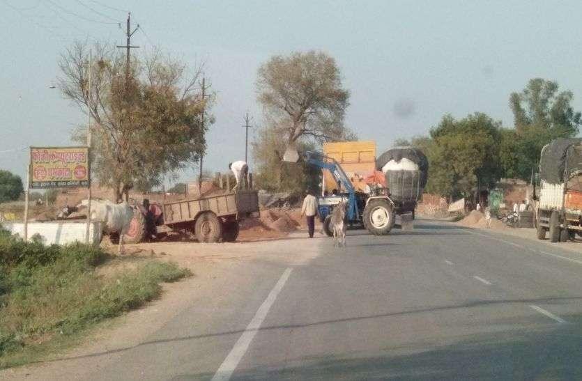खदानों से ओवरलोड ट्रक ढाबों और धर्मकांटों पर हो रहे खाली
