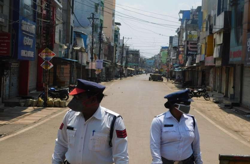 'कोरोना' संक्रमण कफ्र्यू के बीच अपात सेवा तैनात रहे कर्मियों के जज्बे को सलाम