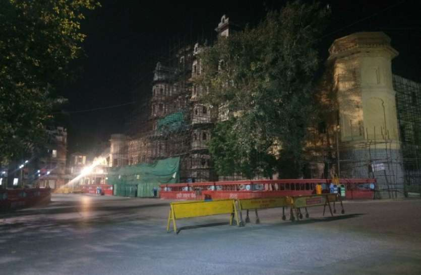 जनता कर्फ्यू को लेकर बढ़ी सख्ती, सार्वजनिक स्थानों पर पुलिस डॉक्टर तैनात