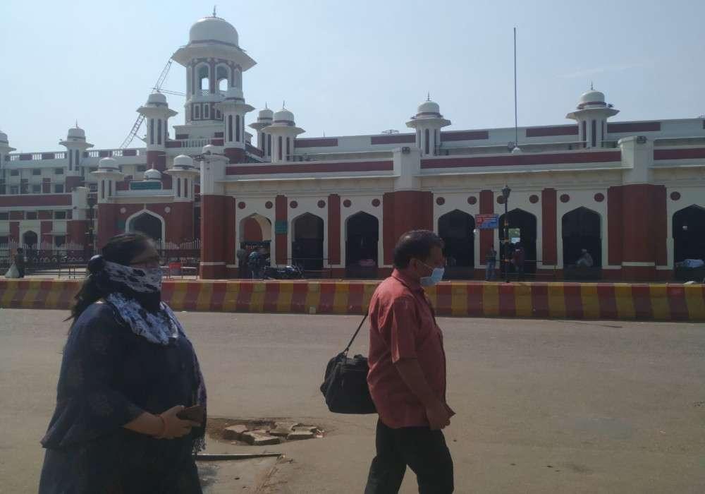 Janta Curfew : लखनऊ, बरेली, गाजियाबाद और गोरखपुर समेत पूरे यूपी में पसरा सन्नाटा, जानें- प्रमुख शहरों का हाल