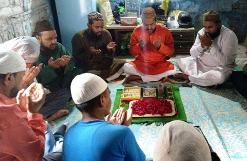 जनता कर्फ्यू में रोज़ा रख कोरोना पर जीत की अल्लाह से मांगी दुआ