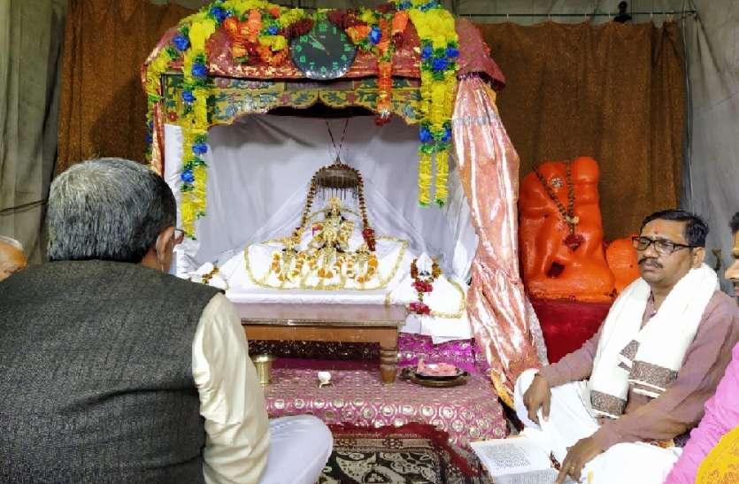 रामलला की शिफ्टिंग पर भी कोरोना का असर, शुरू हुआ अनुष्ठान, सीएम योगी के अयोध्या आने को लेकर बढ़ा सस्पेंस