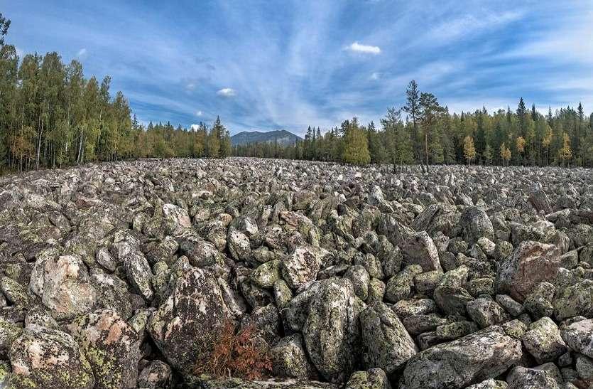 हजारों वर्षों से एक इंच भी नहीं हिली है रूस की 'पत्थर नदी'