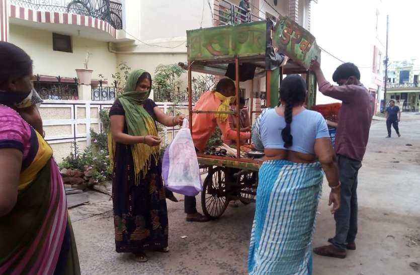 पढ़े, राशन और सब्जी डिलेवरी करने व्यापारी तैयार, वितरण करने नहीं मिल रहे वाहनों को पास