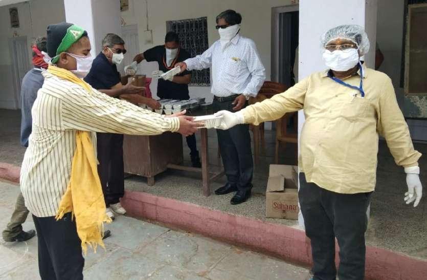 जिलेभर में आगे आई सामाजिक संस्थाएं: सेवा का उमड़ा जज्बा, कोई नहीं रहेगा भूखा